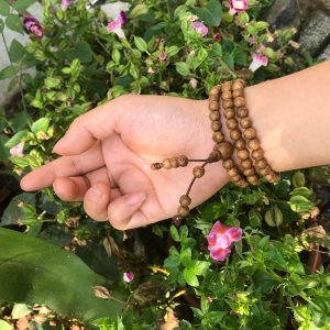 chuỗi trầm hương 108 tốc việt núi trồng